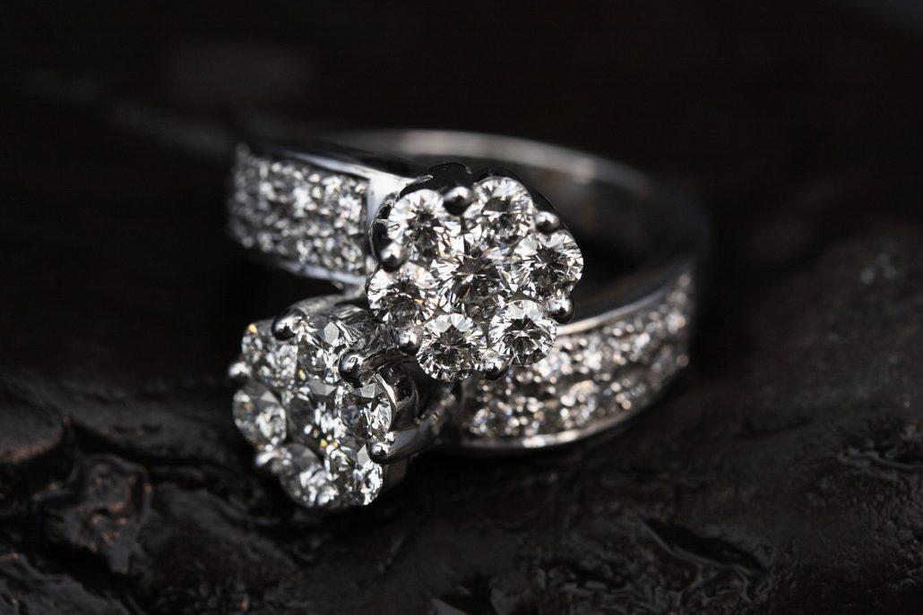 Diamanten aus Menschen oder Tierasche